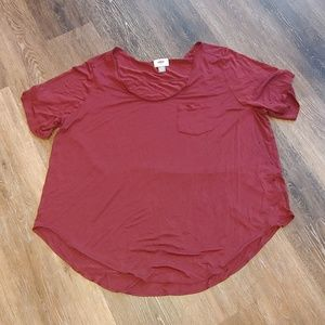 EUC Old Navy Burgundy Wine Boyfriend Pocket tee